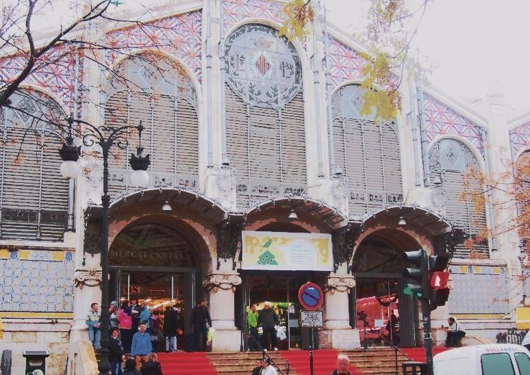 El Mercado Central reparte la compra en bici eléctrica